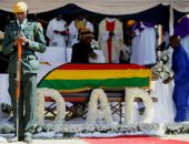 بعد أسابيع من وفاته.. دفن جثمان رئيس زيمبابوى السابق موجابى فى مسقط رأسه