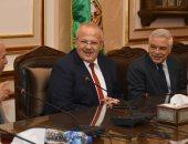 رئيس جامعة القاهرة: تطوير نادى أعضاء التدريس ليصبح ملتقى للأساتذة وأسرهم