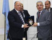 محافظ القاهرة يلتقى وفد عمانى لتفعيل التعاون بمجالات مياه الشرب والصرف الصحى