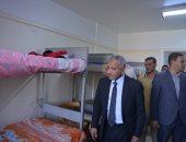 نائب رئيس جامعة الأزهر بأسيوط يتفقد التسكين بالمدينة الجامعية للطلاب
