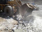 إزالة 11 حاله تعد بالبناء على الأراضى الزراعية بمركز بنى مزار بالمنيا