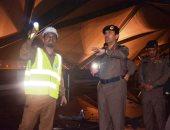 الدفاع المدنى السعودى يجرى عمليات التبريد بحادث حريق قطار الحرمين