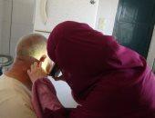 """الكشف على 120 حالة بقافلة جامعة المنيا الطبية بـ""""كوم الحاصل"""" بالمنيا"""