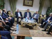 محافظ جنوب سيناء يناقش الاستعداد لملتقى التسامح الديني بكاترين