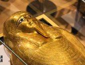 تليجراف: فرنسا تعتقل تاجر أعمال فنية متورط ببيع تابوت مصرى مسروق في نيويورك