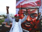 مرشح للانتخابات الرئاسية الأوغندية يندد بحظر الحكومة لرمز يميزه