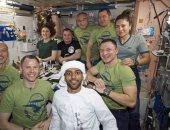 رائد فضاء إماراتى ينشر صورة مرتديا الزى الوطنى فى محطة الفضاء الدولية