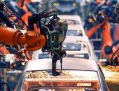 خوفا من استبدالهم.. الروبوتات تخفض مستوى دخل العمال فى أمريكا