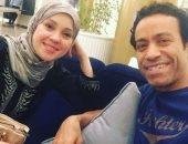 """سامح حسين يحتفل بعيد زواجه التاسع: """"حياتى قبلك مش فاكرها"""""""