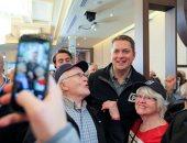رغم مأزق الجنسية.. زعيم المعارضة الكندية يواصل حملته الانتخابية