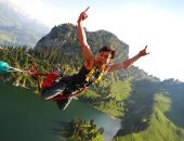 سياسيون سويسريون يطالبون بحظر رياضة القفز الحر بعد وفاة 82 شخصا