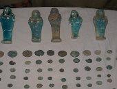 ننشر صور 109 قطع أثرية فرعونية ورومانية ضبطت بحوزة مهرب فى أسيوط