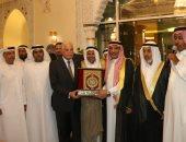 ممثلو القبائل العربية يكرمون محافظ جنوب سيناء لإحيائه سباقات الهجن