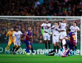 برشلونة يسحق إشبيلية برباعية ويرتقى لوصافة الدوري الإسباني.. فيديو