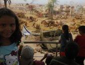 قارئ يشارك بصورة ابنته خلال الاحتفال بذكرى النصر من داخل بانوراما حرب أكتوبر