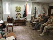 حفتر يتابع مع قادة المحاور العسكرية سير العمليات ضد المليشيات فى ليبيا