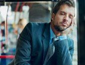 نصائح لتحسين النوم عند السفر.. منها تناول هرمون الميلاتونين