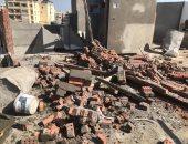 صور.. إيقاف 4 حالات بناء وترميم مخالف بـ 3 أحياء بالإسكندرية