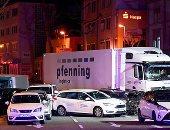 صور.. احتجاز سورى بعد اصطدام شاحنة بعدد من السيارات فى غرب ألمانيا