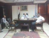 رئيس مدينة إسنا يعقد اجتماعا لحل أزمة موقف السيارات العشوائى بمنطقة الشيخ أحود
