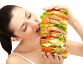 باحثون يكتشفون دائرة في الدماغ مرتبطة بالشهية والاندفاع نحو تناول الطعام