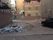 صور .. القمامة تحاصر سكان شارع بمنطقة السينما بكفر الزيات