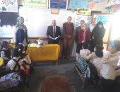 وكيل تعليم شمال سيناء يتفقد عدد من المدارس ويحيل معلمين للتحقيق بالعريش