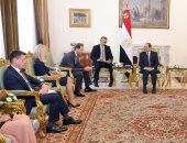 السيسي يؤكد لوزير صناعة روسيا قوة الإرادة بين البلدين لتحقيق المنفعة المشتركة