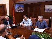 محافظ بورسعيد يوجه بالالتزام بخطط التنفيذ للمشروعات الجارى العمل بها