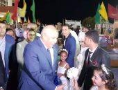 محافظ الوادى الجديد يشهد احتفالية الزفاف الجماعى لـ26 عريس وعروسة