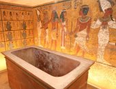 الآثار تتابع نظام الإضاءة والتهوية داخل مقبرة توت عنخ آمون