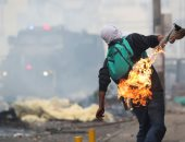 صور.. اشتباكات عنيفة خلال تفريق الاحتجاجات فى الإكوادور