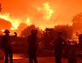 صور.. حرائق تلتهم الأخضر واليابس وتدمر عشرات المنازل فى كاليفورنيا