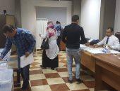 صور.. إقبال ملحوظ على التصويت فى انتخابات نقابة الأطباء بالبحر الأحمر