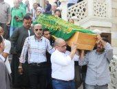 صور.. تشيع جثمان طارق كامل بحضور وزراء سابقين وقيادات قطاع الاتصالات