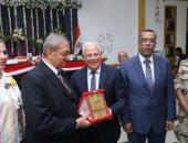 صور.. محافظ بورسعيد يشهد احتفالية تكريم أبطال حرب 6 أكتوبر