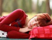 هل النوم على الأرض مفيد فى علاج عرق النسا؟
