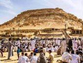 """أهالى سيوة يحتفلون بعيدهم التراثى """"السياحة فى حب الله"""" لمدة 3 أيام بجبل الدكرور"""