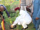 صور.. سفير تشاد يضع شجرة لبلاده بحديقة الدول الإفريقية بنادى نقابة المهندسين