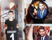 """مشجع يطبع صورة شريف إكرامى على ساعة وحارس الأهلي يرد: """"شرف ليا"""""""
