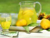 شرب ماء الليمون يساعد في إنقاص الوزن .. لهذا السبب