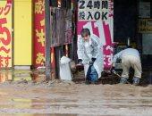 عمال الإنقاذ اليابانيون يبحثون عن ناجين فى مياه موحلة