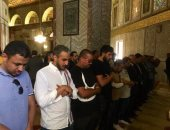 شاهد.. وفد منتخب السعودية يؤدى صلاة الظهر بالمسجد الأقصى