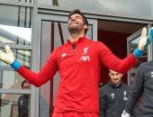 أليسون يشارك فى مران ليفربول استعدادا لكلاسيكو مانشستر يونايتد