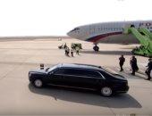 اللغز فى سيارة بوتين..يظهر بها فى كل مكان تمتلك إمكانيات غواصة ودبابة
