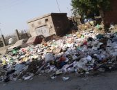 أهالى امتداد شارع 15 مايو يشكون من تراكم القمامة بشبرا الخيمة