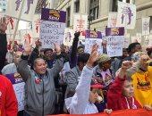 مسيرات احتجاجية واعتصام للمعلمين بمدارس شيكاغو للمطالبة بزيادة الأجور