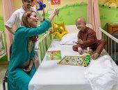 صور.. الأمير وليام وزوجته كيت ميدلتون يزوران مستشفى للسرطان فى باكستان