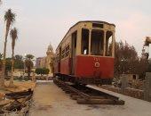 شاهد وصول إحدى أقدم عربات ترام مصر الجديدة لحديقة قصر البارون