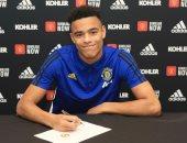مانشستر يونايتد يربط مهاجمه الشاب ماسون حتى 2023